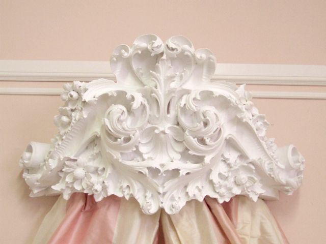 WOW Shabby Cottage Chic White Bed Crown Wall Cornice